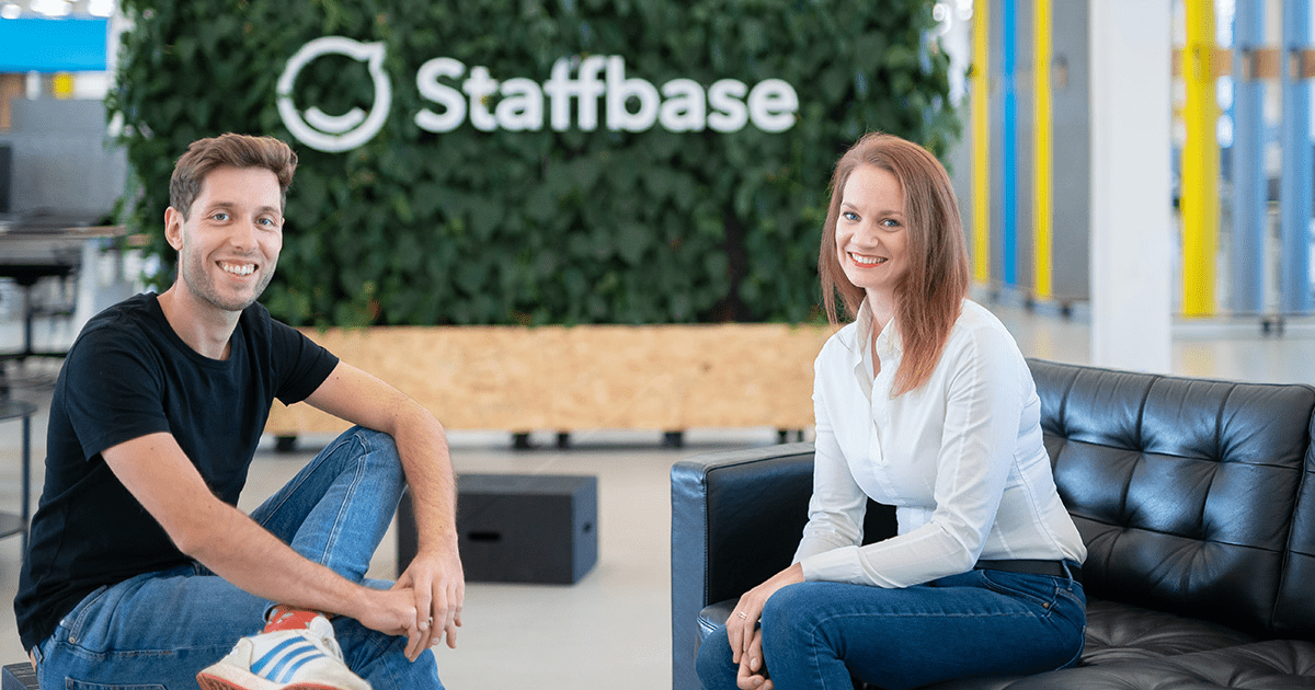 Staffbase CEO Martin Böhringer and teambay Founder Sarah Manes