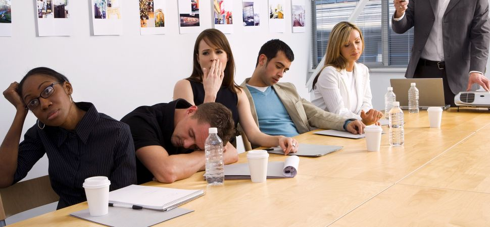 staffbase-bored-employees-in-presentation-1940x900_29877.jpg